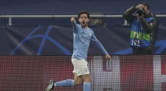 Bernardo Silva celebrates against Gladbach