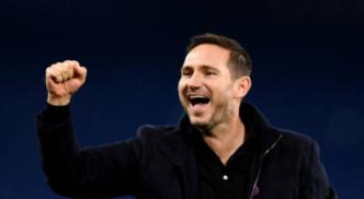 Frank Lampard celebrates after beating Leeds